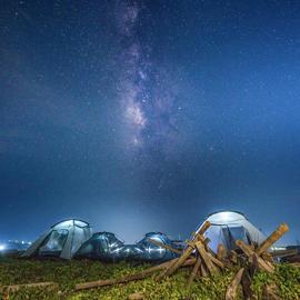 澎湖無人島免裝備星空露營2天1夜|夜划SUP尋藍色夜光砂